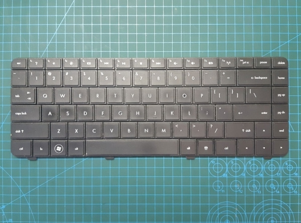 Compaq CQ42 Laptop Keyboard - P/N AEAX1U00110 - Model AX1